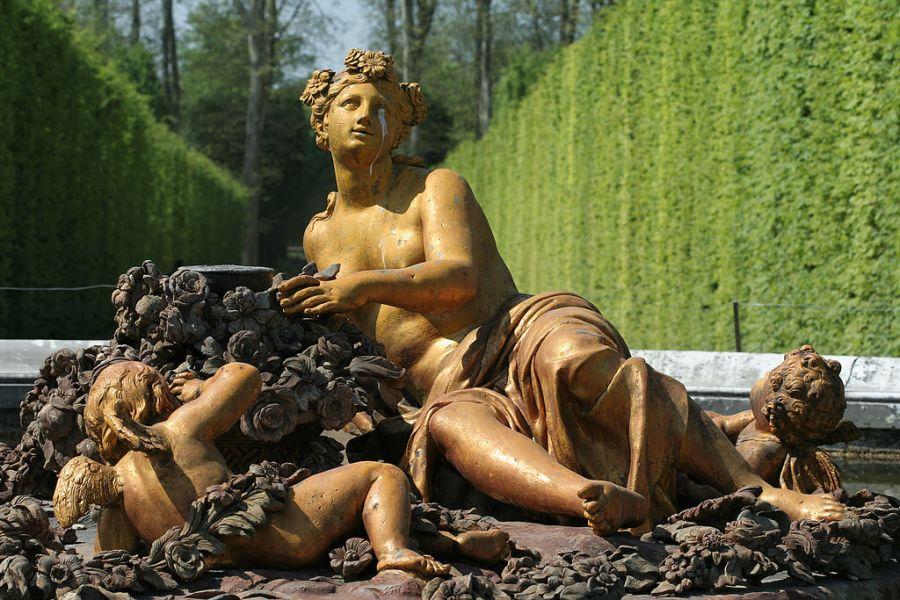 1024px-Parc_de_Versailles,_Bassin_de_Flore,_Jean-Baptiste_Tuby_(1672-79)_07